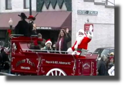 Mocksville_Christmas_Parade_2009_River_Trail_Santa