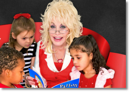 dolly-reads-to-kids