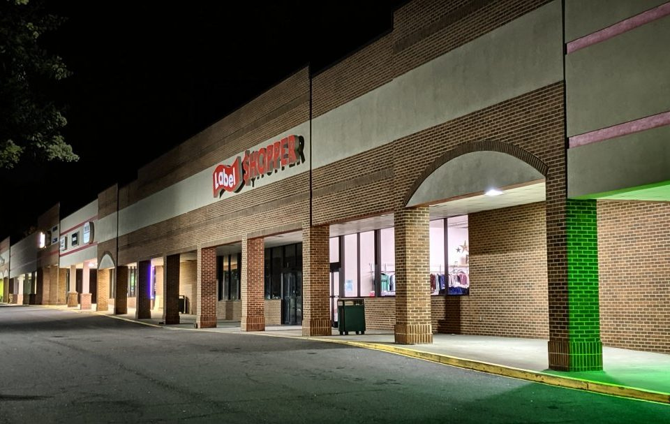 Label Shopper, Willow Oaks Center, Mocksville