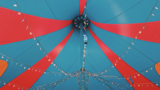Circus Tent rooftop - Barnum show at the Brock